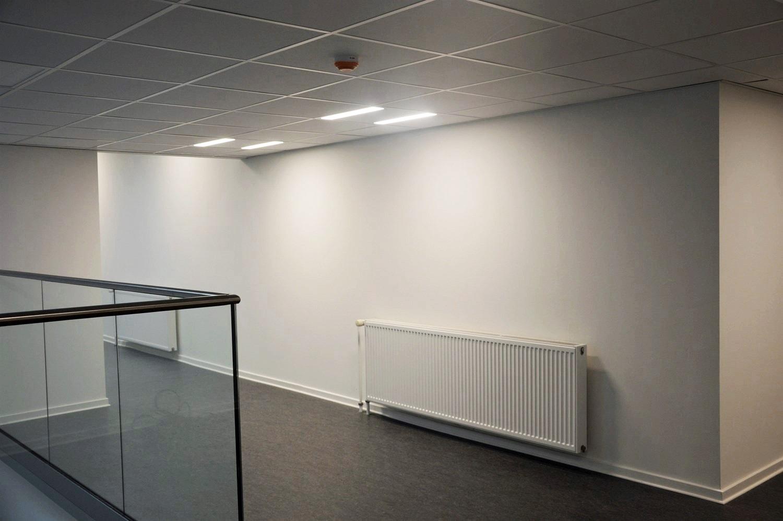 r_205_Corona-D-LED-DK-Office-1610-01r